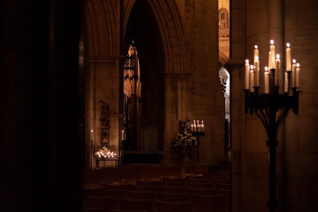 Interior of Southwark Cathedral in candlelight